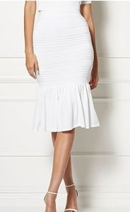 White knit sweater skirt from the New York and Com